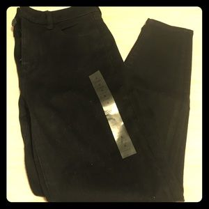 BRAND NEW with Tags - AEO Hi-Rise Black Jegging